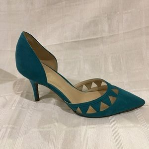 Marc Fisher Turquoise Pointy Toe w/ Cut-Outs EUC